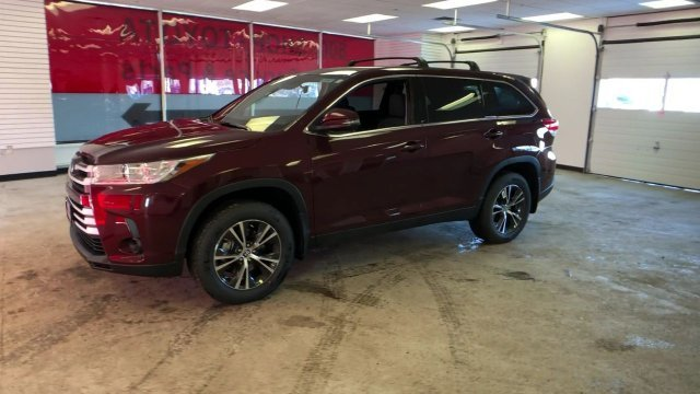 2019 Toyota Highlander LE V6 AWD AWD Regular Unleaded V-6 3.5 L/211 Engine Automatic
