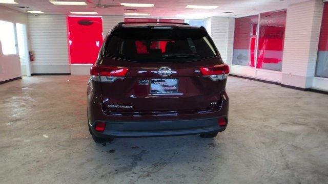 2019 Toyota Highlander LE V6 AWD SUV AWD Automatic Regular Unleaded V-6 3.5 L/211 Engine