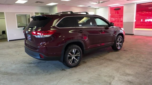 2019 Toyota Highlander LE V6 AWD 4 Door SUV Regular Unleaded V-6 3.5 L/211 Engine Automatic AWD