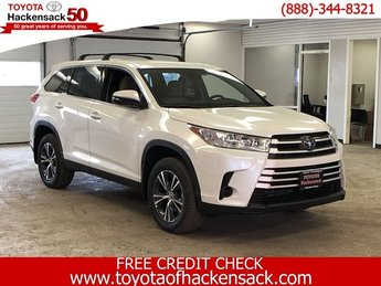 2019 Blizzard Pearl Toyota Highlander LE V6 AWD Regular Unleaded V-6 3.5 L/211 Engine AWD 4 Door