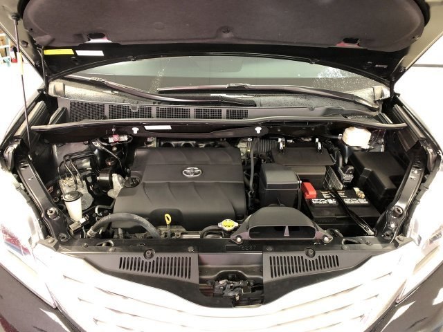 2015 Toyota Sienna Ltd AWD Crossover Regular Unleaded V-6 3.5 L/211 Engine Automatic