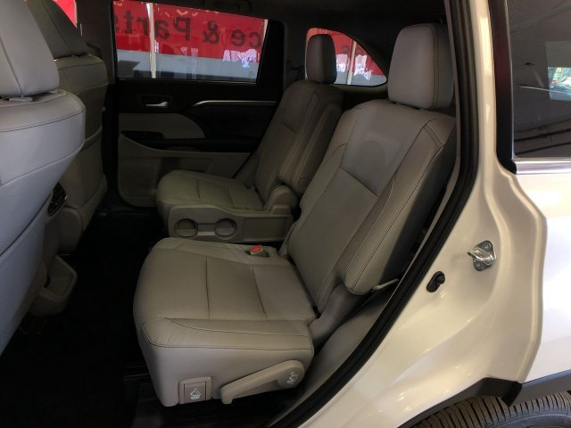 2019 Toyota Highlander Limited Platinum V6 AWD Automatic AWD Regular Unleaded V-6 3.5 L/211 Engine 4 Door SUV