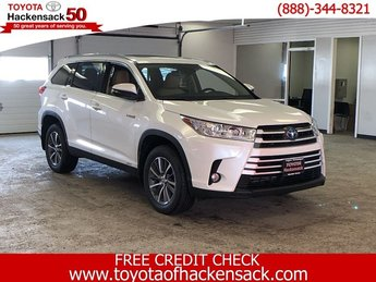 2019 Toyota Highlander Hybrid XLE V6 AWD Gas/Electric V-6 3.5 L/211 Engine Automatic (CVT) 4 Door SUV AWD