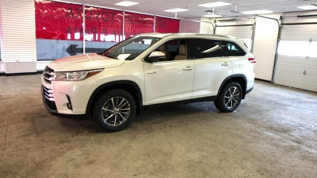 2019 Toyota Highlander Hybrid XLE V6 AWD Gas/Electric V-6 3.5 L/211 Engine Automatic (CVT) SUV
