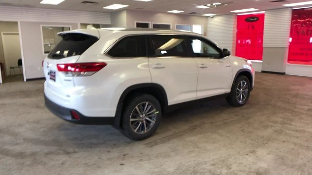 2019 Blizzard Pearl Toyota Highlander Hybrid XLE V6 AWD SUV 4 Door Gas/Electric V-6 3.5 L/211 Engine