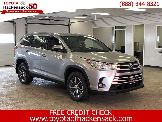 2019 Toyota Highlander Hybrid XLE V6 AWD AWD Gas/Electric V-6 3.5 L/211 Engine 4 Door