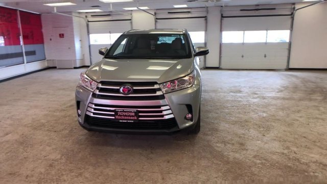 2019 Toyota Highlander Hybrid XLE V6 AWD AWD SUV 4 Door Gas/Electric V-6 3.5 L/211 Engine Automatic (CVT)