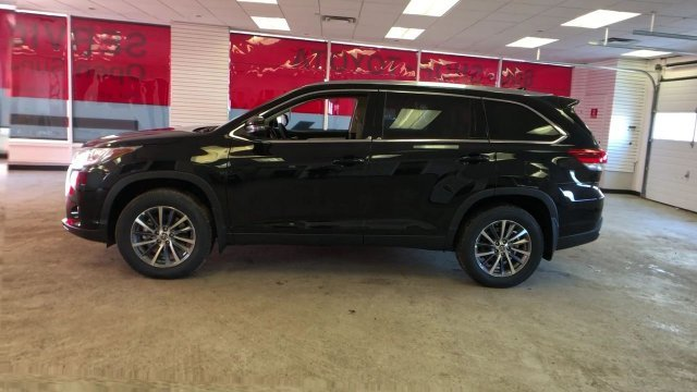 2019 Midnight Black Metallic Toyota Highlander XLE V6 AWD Automatic SUV Regular Unleaded V-6 3.5 L/211 Engine AWD 4 Door