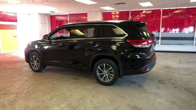 2019 Midnight Black Metallic Toyota Highlander XLE V6 AWD Automatic 4 Door SUV AWD