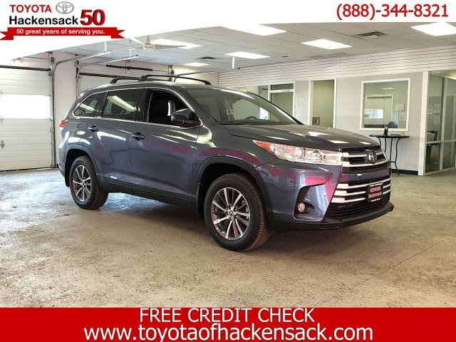 2019 Shoreline Blue Pearl Toyota Highlander XLE V6 AWD AWD 4 Door SUV Regular Unleaded V-6 3.5 L/211 Engine Automatic