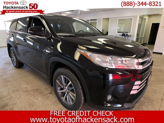 2019 Midnight Black Metallic Toyota Highlander XLE V6 AWD Automatic SUV AWD
