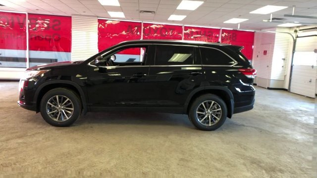 2019 Toyota Highlander XLE V6 AWD Automatic 4 Door AWD