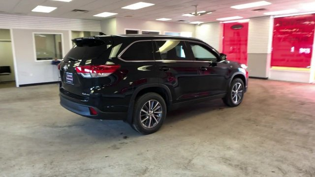 2019 Midnight Black Metallic Toyota Highlander XLE V6 AWD SUV Regular Unleaded V-6 3.5 L/211 Engine Automatic 4 Door AWD
