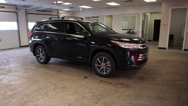 2019 Toyota Highlander XLE V6 AWD Regular Unleaded V-6 3.5 L/211 Engine 4 Door Automatic