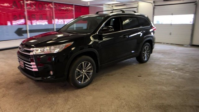 2019 Midnight Black Metallic Toyota Highlander XLE V6 AWD 4 Door Automatic AWD Regular Unleaded V-6 3.5 L/211 Engine