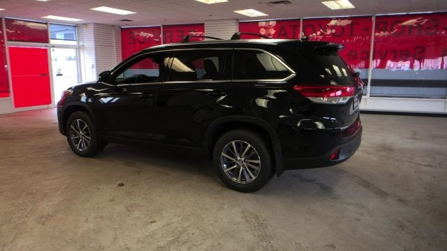 2019 Midnight Black Metallic Toyota Highlander XLE V6 AWD AWD SUV Automatic