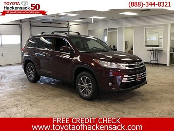 2019 Toyota Highlander XLE V6 AWD Automatic AWD Regular Unleaded V-6 3.5 L/211 Engine SUV 4 Door