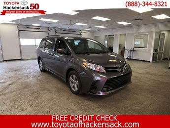 2019 Predawn Gray Mica Toyota Sienna LE FWD 8-Passenger 4 Door Automatic Van FWD Regular Unleaded V-6 3.5 L/211 Engine