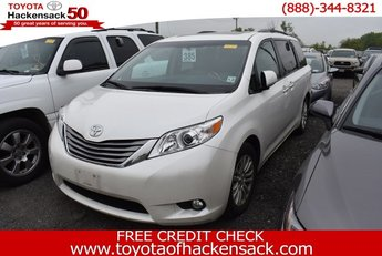 2016 Blizzard Pearl Toyota Sienna XLE AAS 4 Door Automatic Regular Unleaded V-6 3.5 L/211 Engine