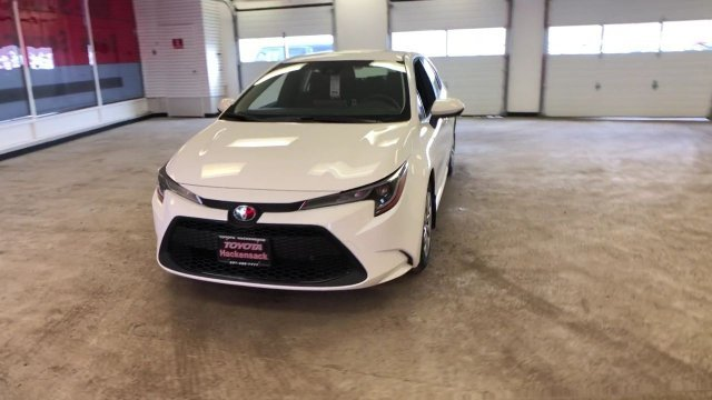 2020 Toyota Corolla LE CVT Sedan Regular Unleaded I-4 1.8 L/110 Engine FWD 4 Door