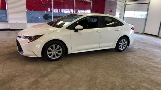 2020 Super White Toyota Corolla LE CVT Sedan Automatic (CVT) Regular Unleaded I-4 1.8 L/110 Engine