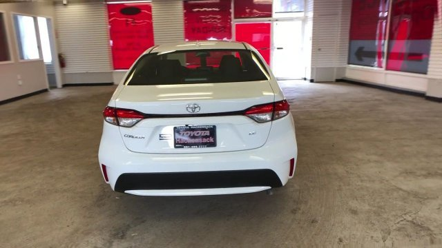 2020 Super White Toyota Corolla LE CVT 4 Door Automatic (CVT) Regular Unleaded I-4 1.8 L/110 Engine Sedan