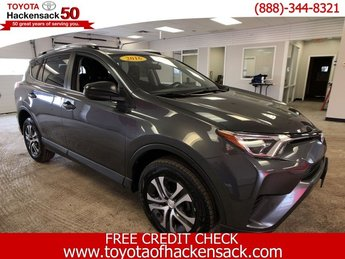 2016 Magnetic Gray Metallic Toyota RAV4 LE SUV Regular Unleaded I-4 2.5 L/152 Engine 4 Door Automatic