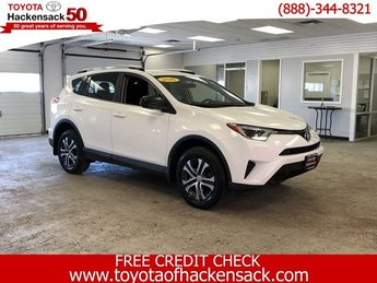 2016 Super White Toyota RAV4 LE SUV 4 Door Automatic Regular Unleaded I-4 2.5 L/152 Engine AWD