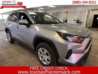 2019 Silver Sky Metallic Toyota RAV4 LE AWD SUV Regular Unleaded I-4 2.5 L/152 Engine 4 Door AWD Automatic
