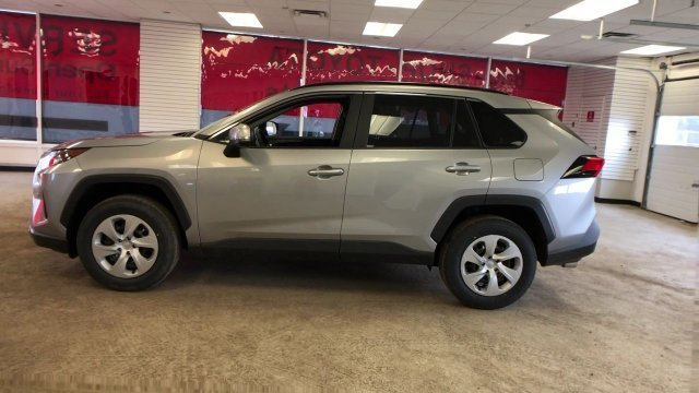 2019 Silver Sky Metallic Toyota RAV4 LE AWD AWD Regular Unleaded I-4 2.5 L/152 Engine 4 Door SUV