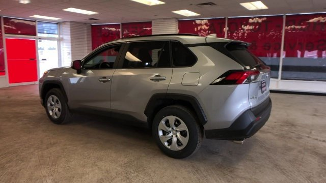 2019 Silver Sky Metallic Toyota RAV4 LE AWD SUV Automatic 4 Door Regular Unleaded I-4 2.5 L/152 Engine