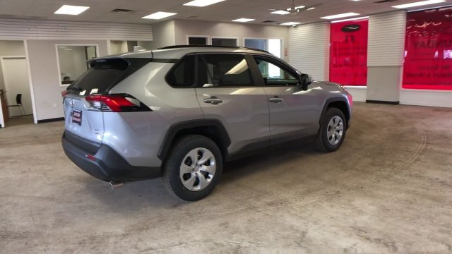 2019 Toyota RAV4 LE AWD 4 Door Automatic Regular Unleaded I-4 2.5 L/152 Engine AWD SUV