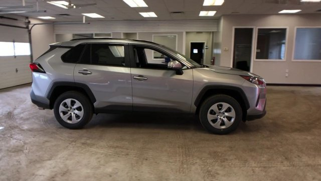 2019 Silver Sky Metallic Toyota RAV4 LE AWD SUV 4 Door AWD Regular Unleaded I-4 2.5 L/152 Engine Automatic