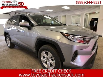 2019 Silver Sky Metallic Toyota RAV4 XLE AWD AWD 4 Door Automatic Regular Unleaded I-4 2.5 L/152 Engine SUV