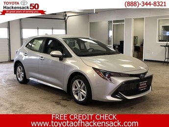2019 Classic Silver Metallic Toyota Corolla Hatchback SE Manual Regular Unleaded I-4 2.0 L/121 Engine 4 Door Manual Hatchback