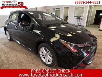 2019 Midnight Black Metallic Toyota Corolla Hatchback SE CVT Hatchback 4 Door FWD Automatic (CVT)