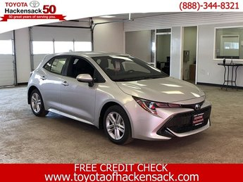 2019 Classic Silver Metallic Toyota Corolla Hatchback SE Manual 4 Door FWD Manual