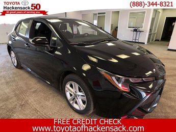 2019 Midnight Black Metallic Toyota Corolla Hatchback SE CVT Hatchback FWD Automatic (CVT) 4 Door Regular Unleaded I-4 2.0 L/121 Engine