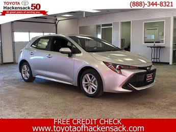 2019 Classic Silver Metallic Toyota Corolla Hatchback SE Manual 4 Door Hatchback FWD Manual