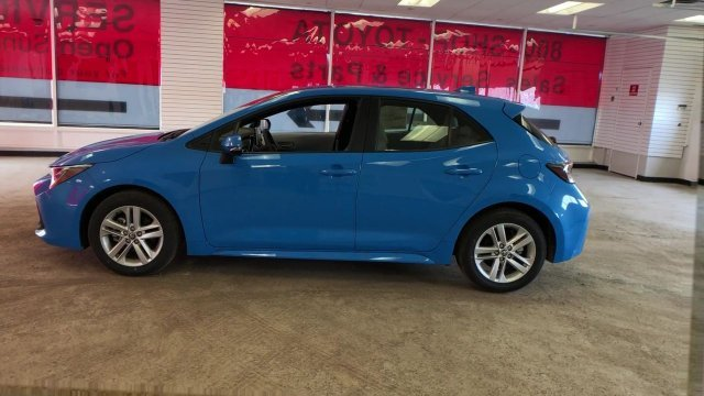 2019 Blue Flame Toyota Corolla Hatchback SE CVT FWD Regular Unleaded I-4 2.0 L/121 Engine 4 Door
