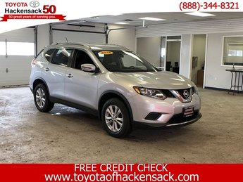 2016 Brilliant Silver Nissan Rogue SV Regular Unleaded I-4 2.5 L/152 Engine Automatic (CVT) AWD