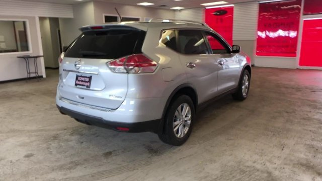 2016 Nissan Rogue SV Regular Unleaded I-4 2.5 L/152 Engine Automatic (CVT) 4 Door