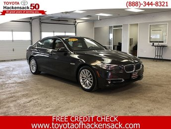 2016 BMW 5 Series 528i xDrive Intercooled Turbo Premium Unleaded I-4 2.0 L/122 Engine 4 Door AWD Automatic Sedan