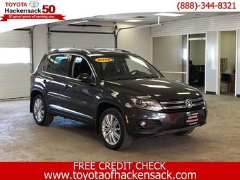 2016 Gray Volkswagen Tiguan SE SUV AWD Intercooled Turbo Premium Unleaded I-4 2.0 L/121 Engine Automatic 4 Door
