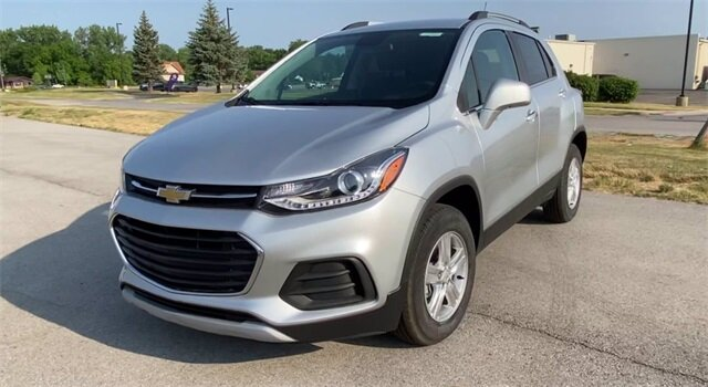 2020 Silver Ice Metallic Chevrolet Trax LT AWD 4 Door SUV