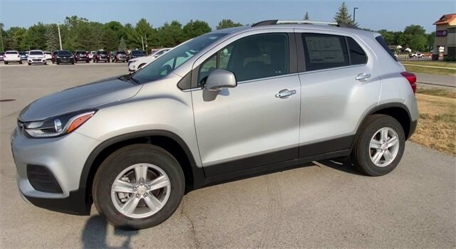 2020 Silver Ice Metallic Chevrolet Trax LT ECOTEC 1.4L I4 SMPI DOHC Turbocharged VVT Engine AWD Automatic