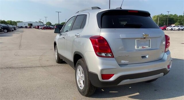 2020 Silver Ice Metallic Chevrolet Trax LT SUV 4 Door ECOTEC 1.4L I4 SMPI DOHC Turbocharged VVT Engine AWD