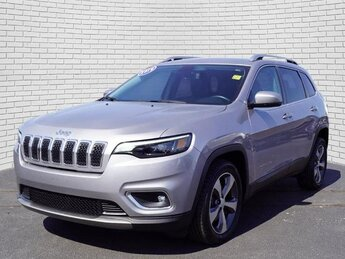 2019 Billet Silver Metallic Clearcoat Jeep Cherokee Limited FWD 2.4L I4 Engine SUV Automatic 4 Door