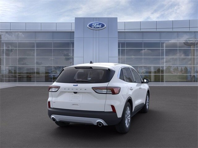 2021 Oxford White Ford Escape SE FWD SUV 4 Door