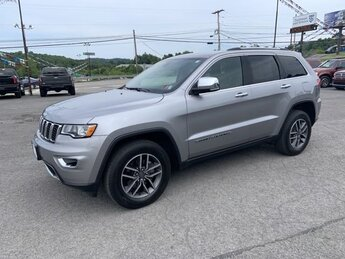 2019 Billet Silver Metallic Clearcoat Jeep Grand Cherokee Limited Regular Unleaded V-6 3.6 L/220 Engine Automatic 4X4 SUV